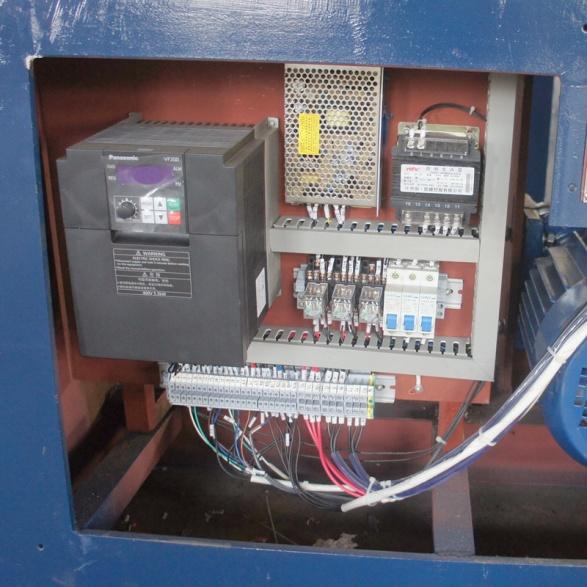 弹簧机电器箱
